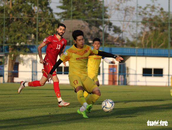U23 Việt Nam chiếm ưu thế nhưng để thua Bahrain 1-2 trong trận đấu tập - Ảnh 1.