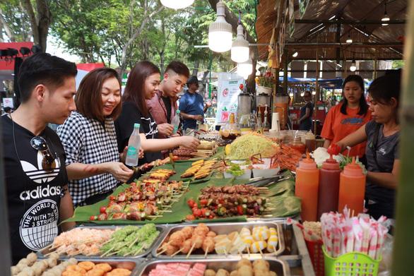 Ẩm thực Lễ hội Tết Việt - Tet Festival 2020 hút khách - Ảnh 4.
