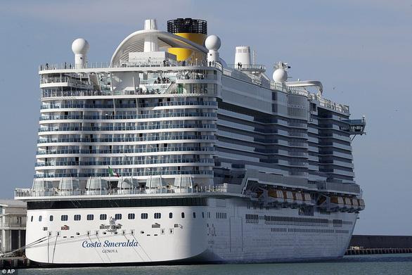 Tôi bị kẹt trên du thuyền Ý vì vợ chồng Trung Quốc nghi nhiễm corona - Ảnh 1.
