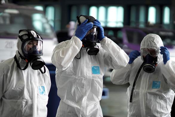 Dịch viêm phổi do virus corona: chỉ 24 tiếng, thêm 38 người chết - Ảnh 2.
