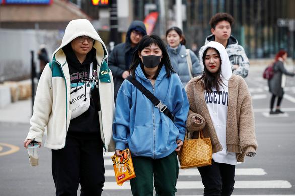 Cập nhật dịch virus corona ngày 31-1: 213 người chết, 9.600 người nhiễm bệnh - Ảnh 1.