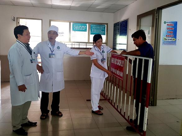 Virus corona ngày 31-1 ở VN: Công bố đường dây nóng 22 bệnh viện - Ảnh 4.