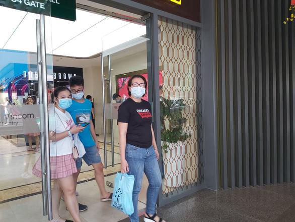 Khách nước ngoài hủy đặt phòng nhiều vì ảnh hưởng dịch cúm corona - Ảnh 1.