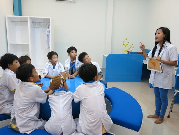 Bộ GD-ĐT quyết định tiếp tục lùi thời gian kết thúc năm học
