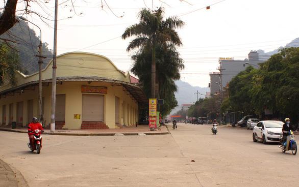 Cửa khẩu vắng như chùa Bà Đanh trong dịch cúm corona - Ảnh 4.