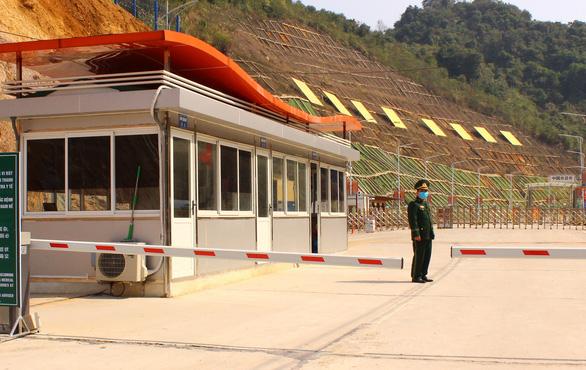 Cửa khẩu vắng như chùa Bà Đanh trong dịch cúm corona - Ảnh 8.