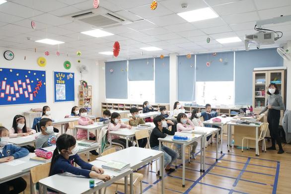 Nhiều đại học cho sinh viên nghỉ học tránh dịch - Ảnh 5.