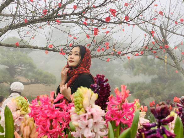 Lên Fansipan mở cổng trời và đắm mình trong tiếng khèn hoa Tây Bắc - Ảnh 2.