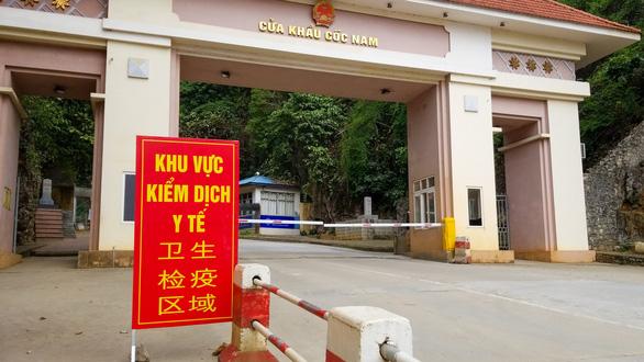 Cửa khẩu vắng như chùa Bà Đanh trong dịch cúm corona - Ảnh 11.