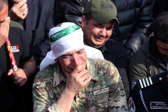 Hàng ngàn người Iraq dự lễ tang tướng Iran, hô vang Cái chết cho nước Mỹ - Ảnh 5.