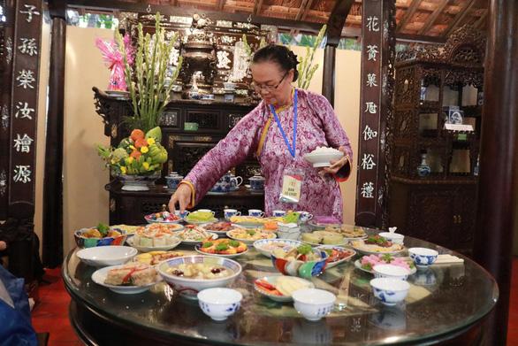Lần đầu ăn Tết Việt: Tôi thực sự ngạc nhiên - Ảnh 2.