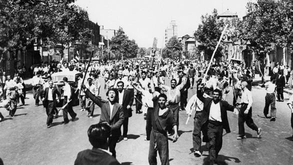 Lịch sử xung đột liên tục Mỹ - Iran - Ảnh 4.