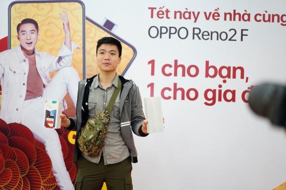 OPPO tặng 300 món quà Reno2 F dịp Xuân về - Ảnh 3.