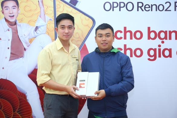 OPPO tặng 300 món quà Reno2 F dịp Xuân về - Ảnh 4.