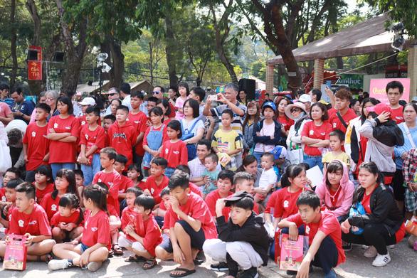 Hoạt động thiện nguyện 'Tết trẻ em' tại Lễ hội Tết Việt 2020 - Ảnh 7.