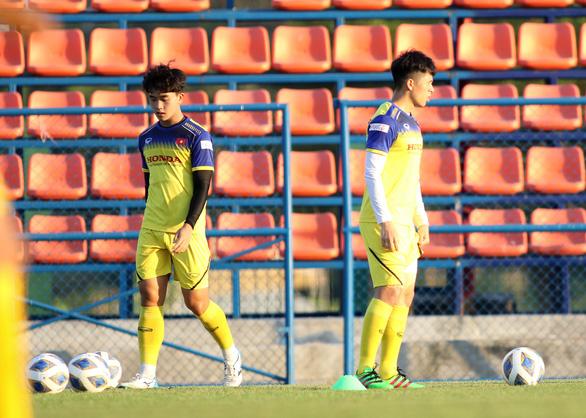 U23 Việt Nam chốt danh sách chính thức: Ông Park quyết giữ Đình Trọng - Ảnh 1.