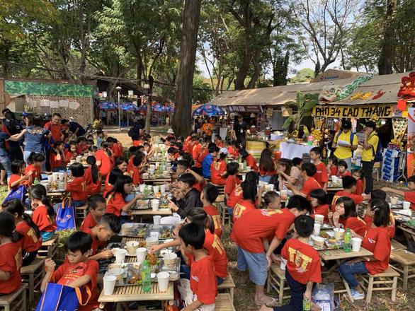Hoạt động thiện nguyện 'Tết trẻ em' tại Lễ hội Tết Việt 2020 - Ảnh 5.