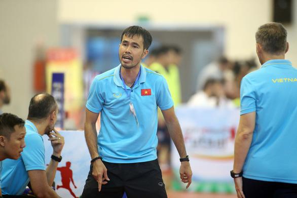 Lần đầu tiên, futsal Việt Nam chinh phục châu Á với HLV nội - Ảnh 1.