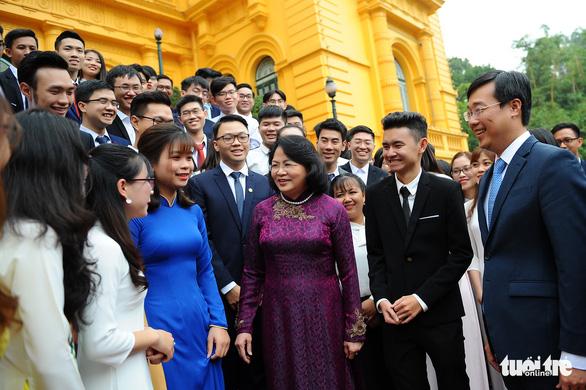 Phó chủ tịch nước Đặng Thị Ngọc Thịnh: Nghèo vì không có ước mơ, không dám ước mơ - Ảnh 1.