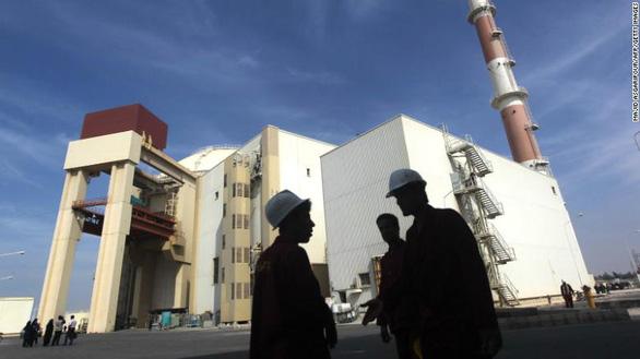 Iran bất ngờ tuyên bố không tuân thủ giới hạn làm giàu urani - Ảnh 1.