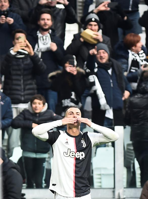 Ronaldo lập hat-trick, Juventus giữ vững đỉnh bảng - Ảnh 1.