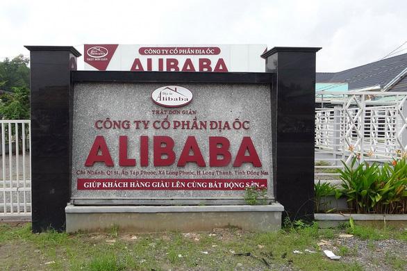 Xử lý nghiêm những ai tiếp tay Alibaba phân lô bán nền - Ảnh 1.