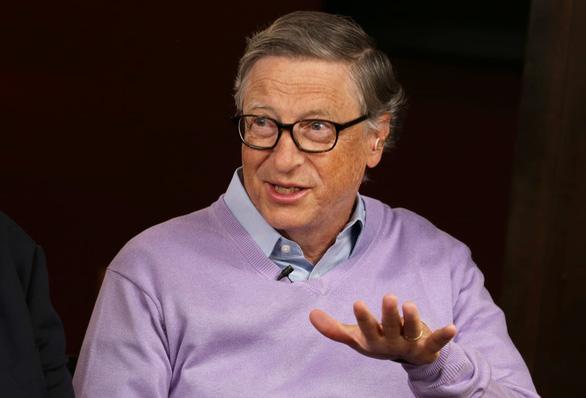 Tỉ phú Bill Gates: Tỉ lệ người chết vì COVID-19 sẽ giảm đáng kể cuối năm nay - Ảnh 1.