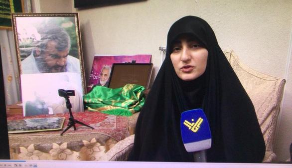 Con gái tướng Soleimani chê ông Trump đánh lén, đe dọa báo thù - Ảnh 1.