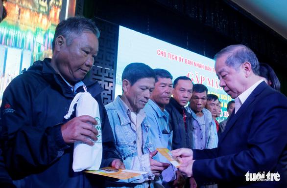 Lãnh đạo tỉnh Thừa Thiên Huế đối thoại với người đạp xích lô du lịch - Ảnh 1.