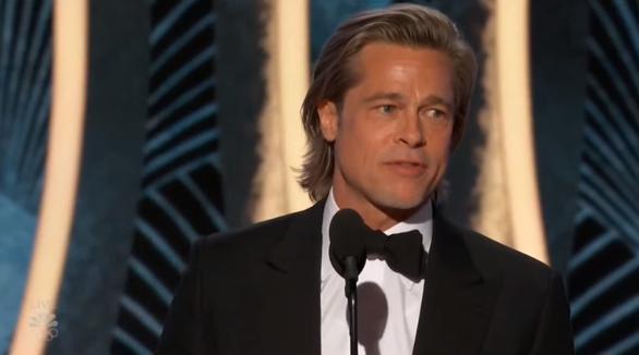 Brad Pitt và Leonardo khiến fan 'phát cuồng' tại Quả cầu vàng 2020 - Ảnh 2.