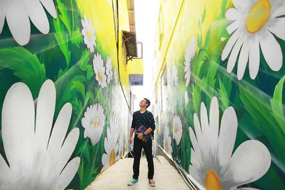 Hành trình đưa Dốc Nhà Làng thành điểm đến nghệ thuật ở Đà Lạt - Ảnh 1.