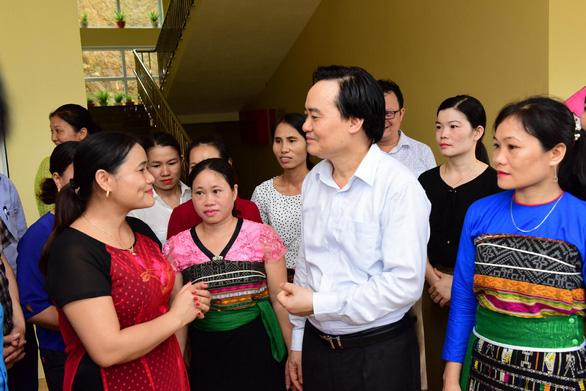 Bộ trưởng Phùng Xuân Nhạ: Sẽ đẩy mạnh tự chủ đại học - Ảnh 1.