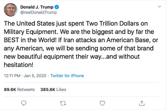 Ông Trump khoe 2.000 tỉ đô quân sự, thách thức Iran tấn công - Ảnh 1.