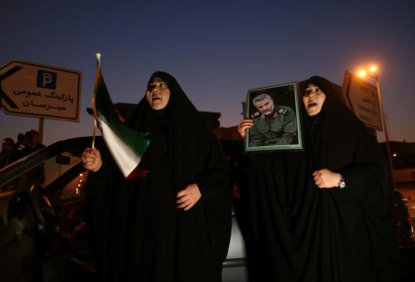 Iran tuyên bố diệt 80 tên khủng bố Mỹ trong vụ bắn tên lửa - Ảnh 1.