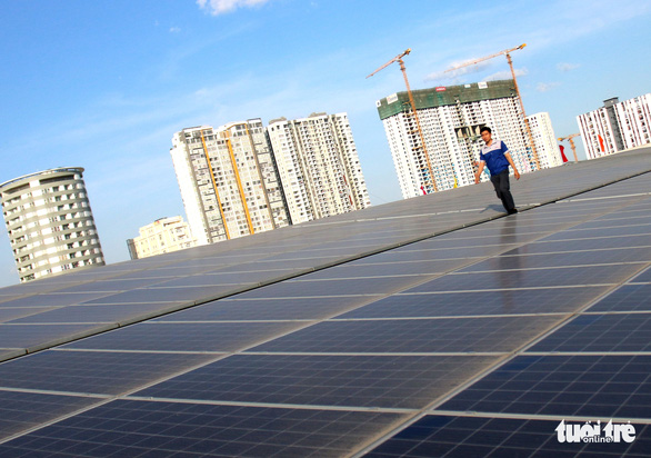 Bộ Công thương gỡ điểm nghẽn cho điện mặt trời áp mái - Ảnh 1.