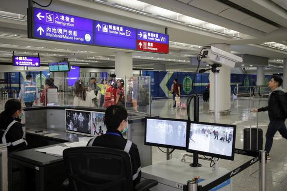 Bệnh viêm phổi lạ Trung Quốc đã lây lan: Hong Kong phát hiện 16 trường hợp - Ảnh 1.