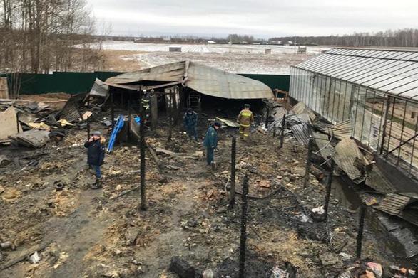 Cán bộ ĐSQ Việt Nam đến hiện trường vụ cháy ở Nga, nghi cả 8 nạn nhân là người Việt - Ảnh 2.
