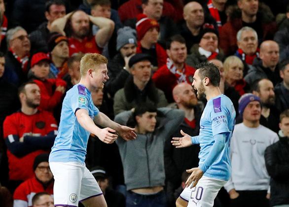 Man City 'giải quyết gọn Man United ở bán kết lượt đi Cúp liên đoàn - Ảnh 1.