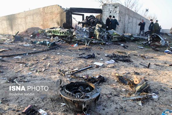Máy bay Ukraine rơi ở Iran, 176 người thiệt mạng - Ảnh 2.