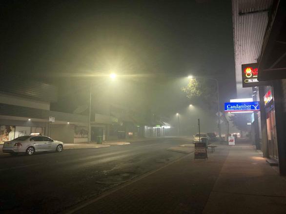Người Việt ở Úc: Cầu trời cho mấy cơn mưa to! - Ảnh 1.