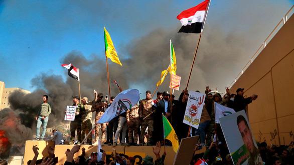 Toàn cảnh 10 ngày căng thẳng Mỹ - Iran: Từ võ mồm sang đối đầu trực diện - Ảnh 2.