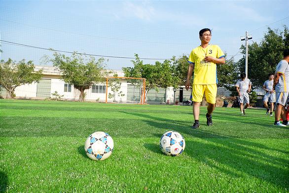 HEINEKEN Việt Nam xây sân bóng đá cộng đồng tại huyện biên giới Mộc Hóa - Ảnh 2.