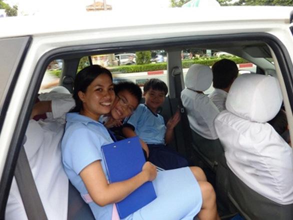 Hãng taxi chở miễn phí người bệnh, thưởng nóng tài xế - Ảnh 1.