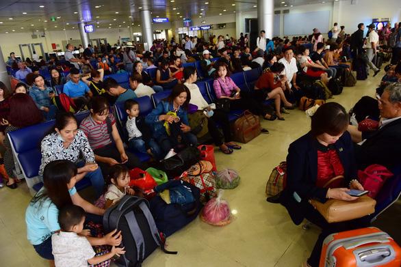 Nhiều phương án chống ùn tắc khu vực sân bay Tân Sơn Nhất dịp Tết Canh Tý - Ảnh 2.