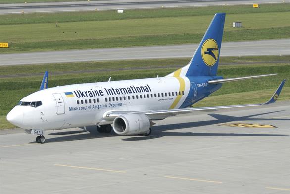 Máy bay Ukraine rơi ở Iran, 176 người thiệt mạng - Ảnh 5.