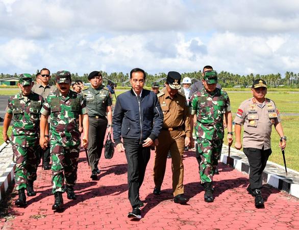 Tổng thống Indonesia đến thăm khu vực đang căng thẳng với Trung Quốc - Ảnh 1.