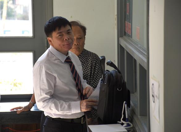 Bị cáo Trần Vũ Hải không vào phòng xử án, tòa hoãn phiên phúc thẩm - Ảnh 2.