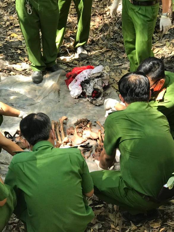 Vụ phát hiện 9 bộ xương người: Chủ nhà khai chồng mua để bán - Ảnh 1.