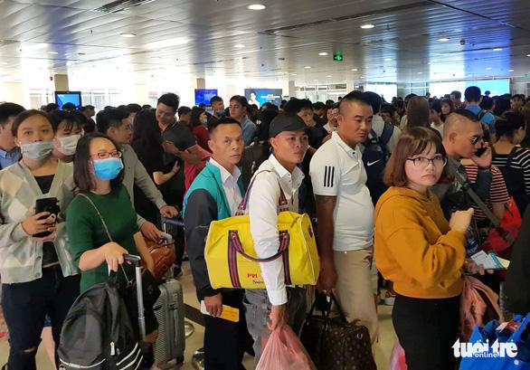 Vé máy bay tết Vietnam Airlines các đường bay 'nóng' vẫn còn 10-20% ghế trống - Ảnh 1.