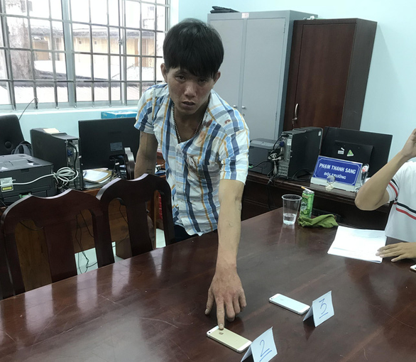 Bắt tên cướp bị HIV, 5 chiến sĩ công an phải uống thuốc phơi nhiễm - Ảnh 1.